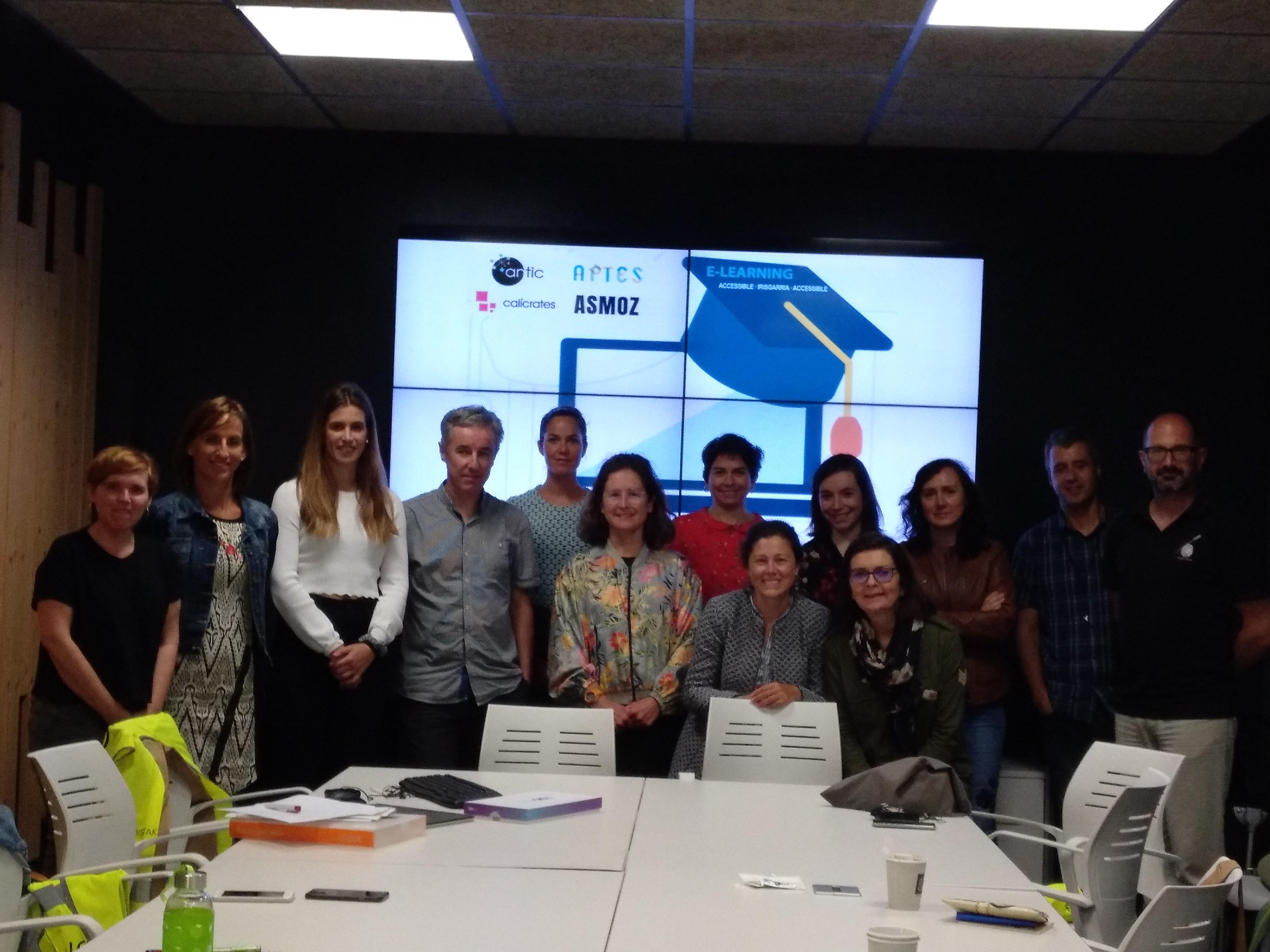 Foto de grupo de la jornada sobre ELearning Accesible